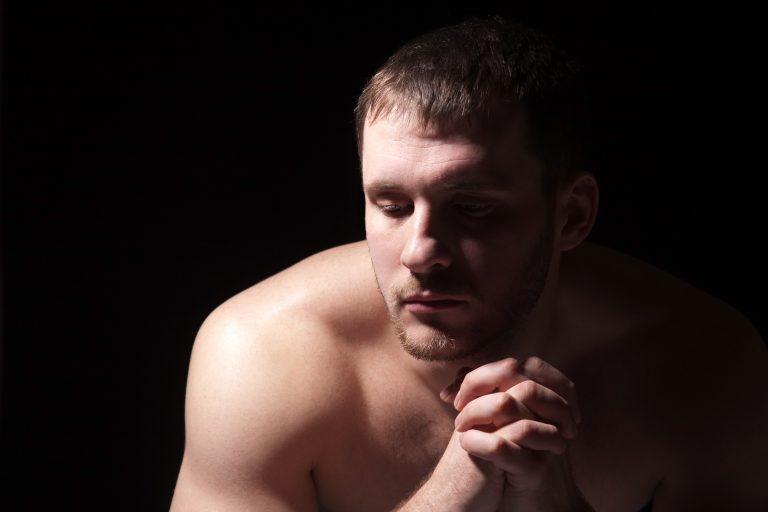 Gli standard di bellezza maschili esistono. E fanno male agli uomini.