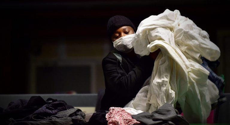 100 mld di vestiti all'anno per 7 mld di persone. La moda a 9.99€ distrugge il pianeta.