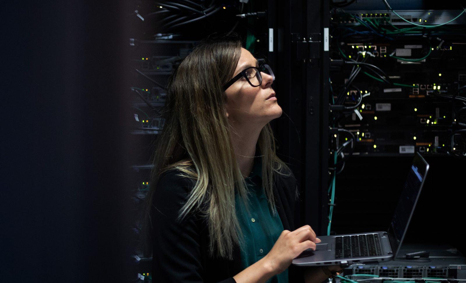 L'Italia ha bisogno di programmatori. Ma fa di tutto per impedire alle donne di diventarlo.