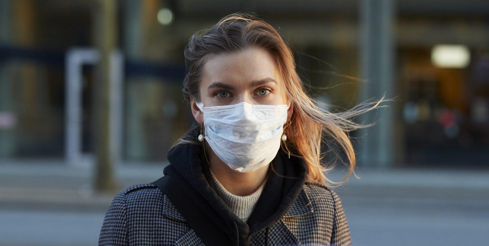 La pandemia ci ha resi la generazione dell'incertezza. Ora capite tutti come si vive da precari. - The Vision